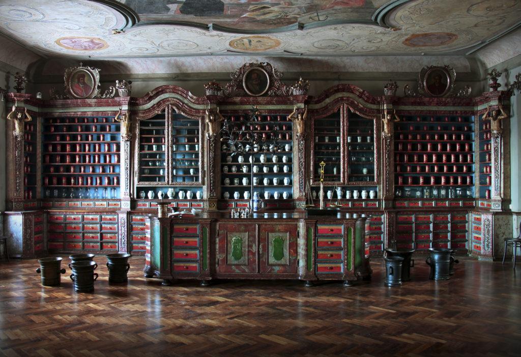 barokní lékárna U Granátového jablka
