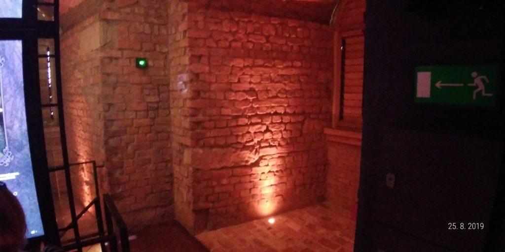 Bílá věž interiéry